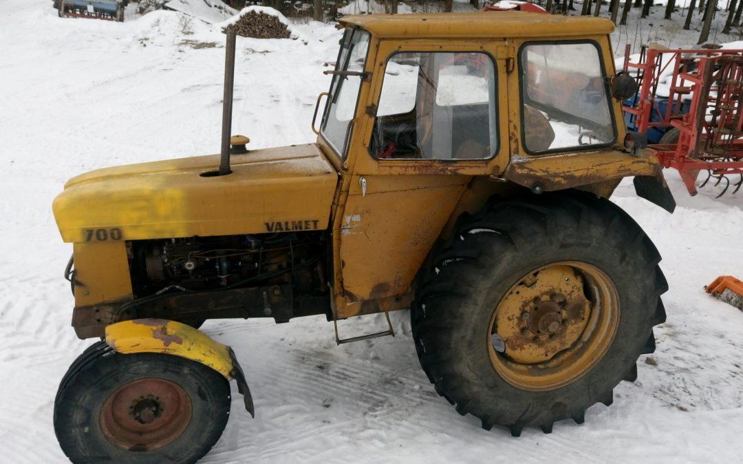 Valmet 700 MK2 traktori