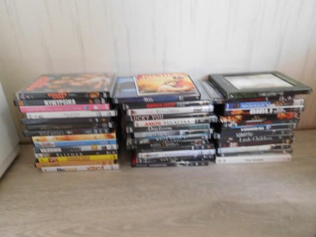 DVD elokuvia kasa, myydään asiakkaan lukuun