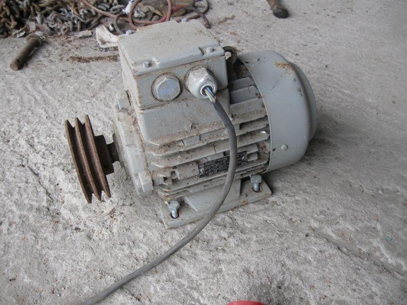 Sähkömoottori ollut viljakairassa, myydään asiakkaan lukuun