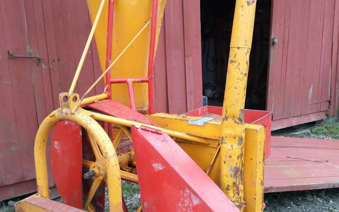 Jauhomylly Junkkari – traktorikäyttöinen