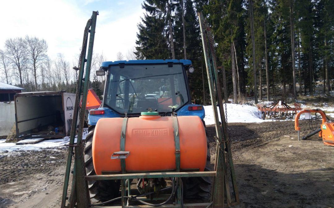Eho kasvinsuojeluruisku 550 litraa – n. 10 metrin puomit