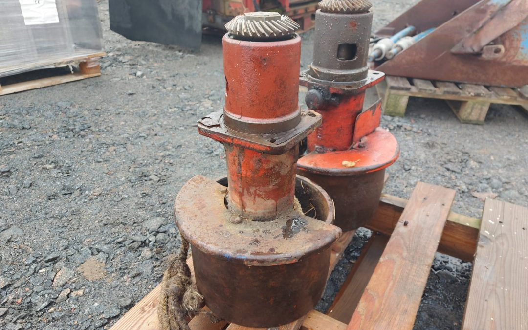 Nuffield 4/460 siivapyöriä 2 kpl