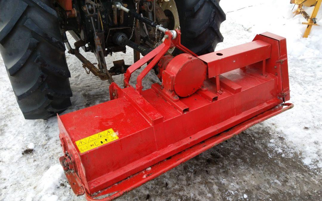 Murskain traktorin perään – VIDEO