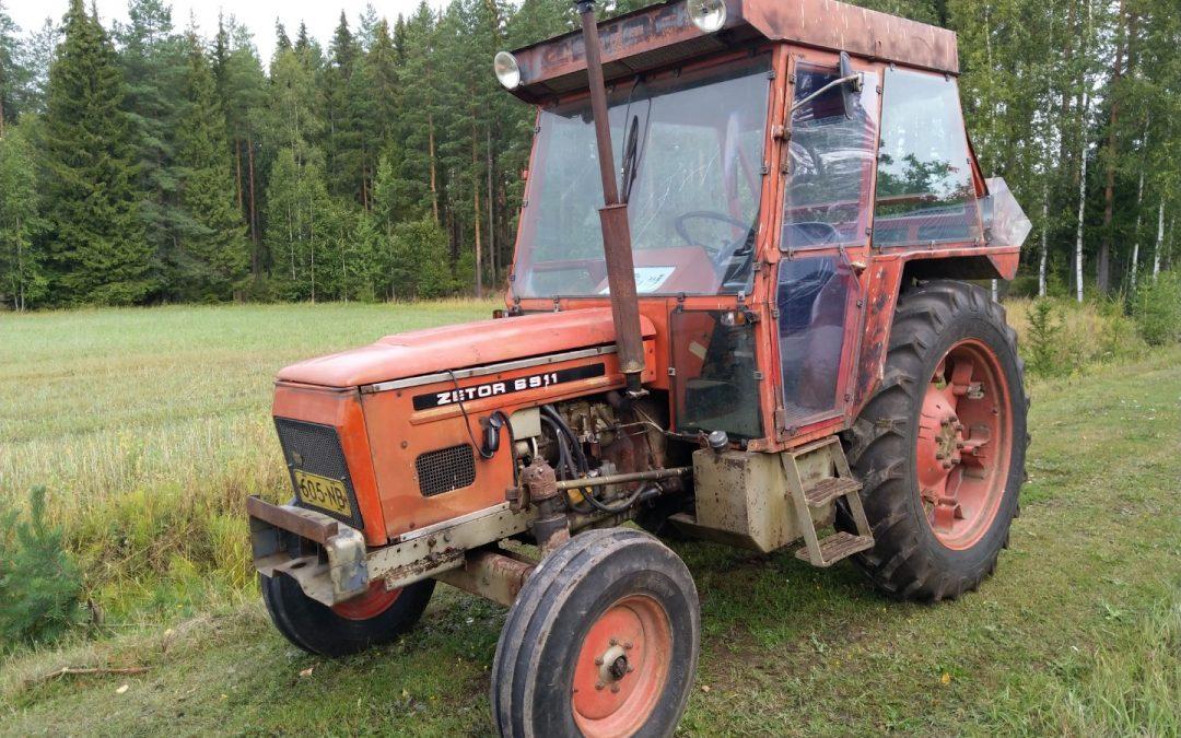 Zetor 6911 traktori – VIDEO – hyvät renkaat