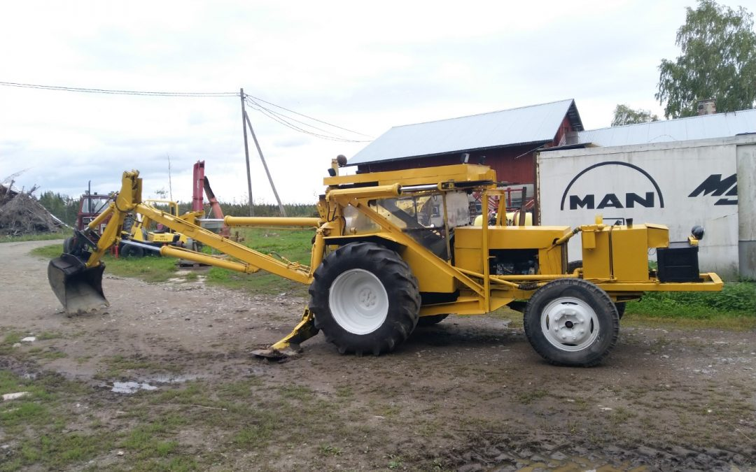 Traktorikaivuri Fordson Super Major – VIDEO