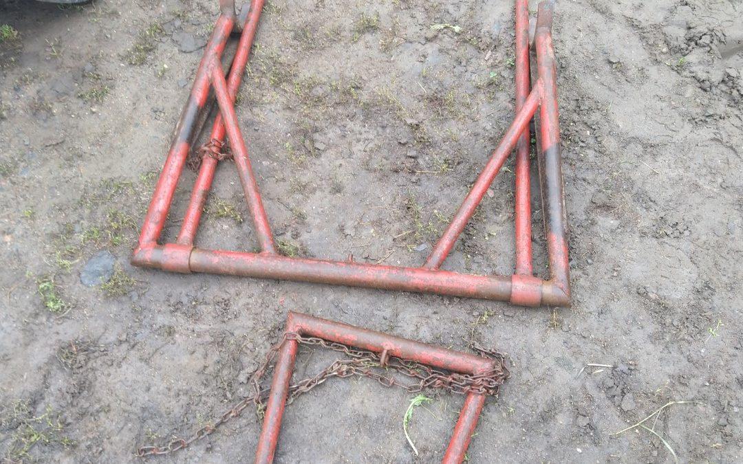 Traktorin remonttituki / huoltotuki