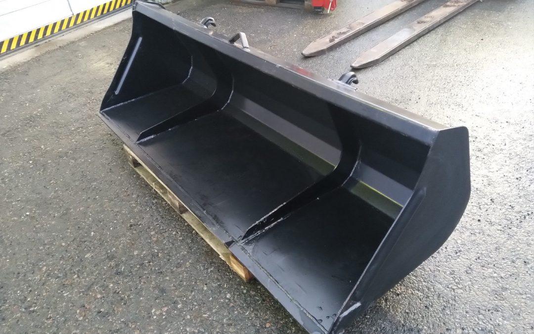 Yleiskauha Pomarol 210cm – UUSI – EURO-sovite