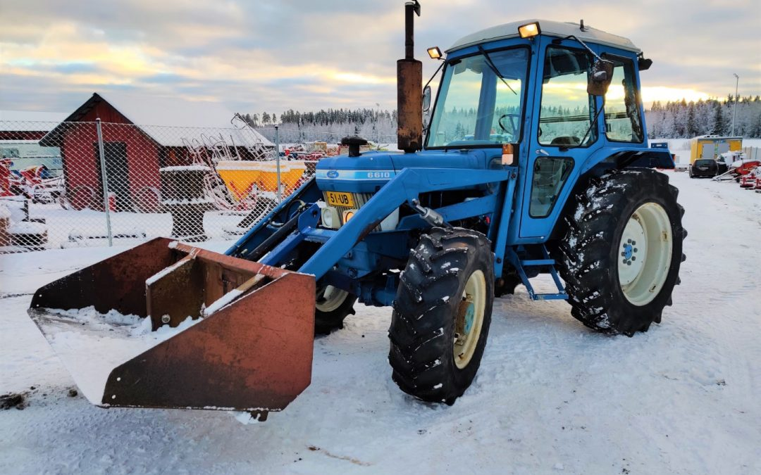 Ford 6610 – 4×4 – VILSKE ETUKUORMAAJA – VIDEO