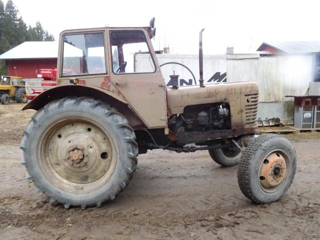 Belarus MTZ 52 traktori -69