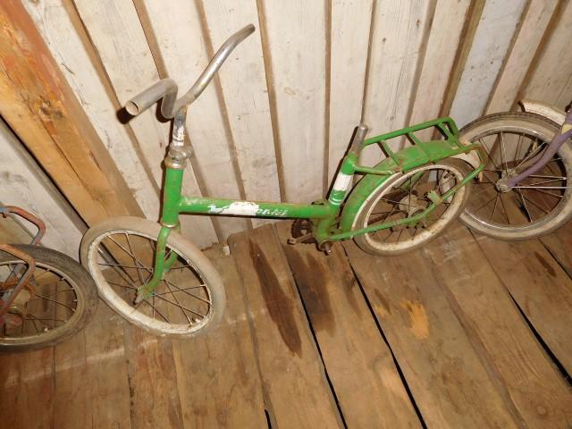 Vanhoja lasten polkupyöriä 4 kpl mm. Poni, myydään asiakkaan lukuun