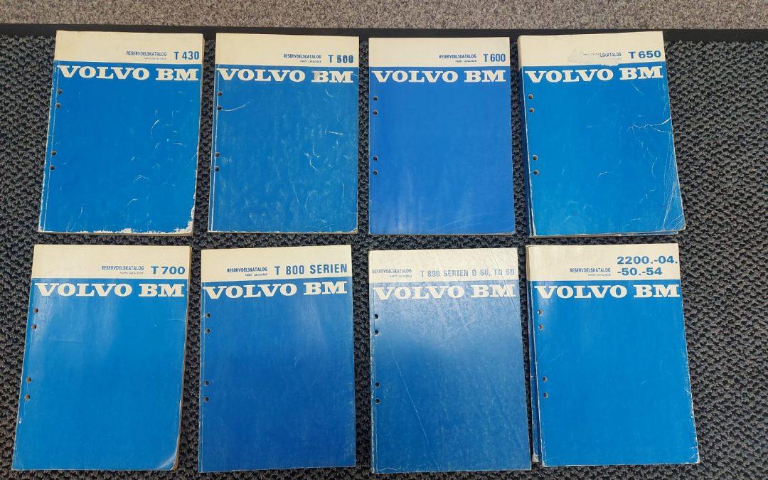 Volvo BM traktorin varaosakirjoja