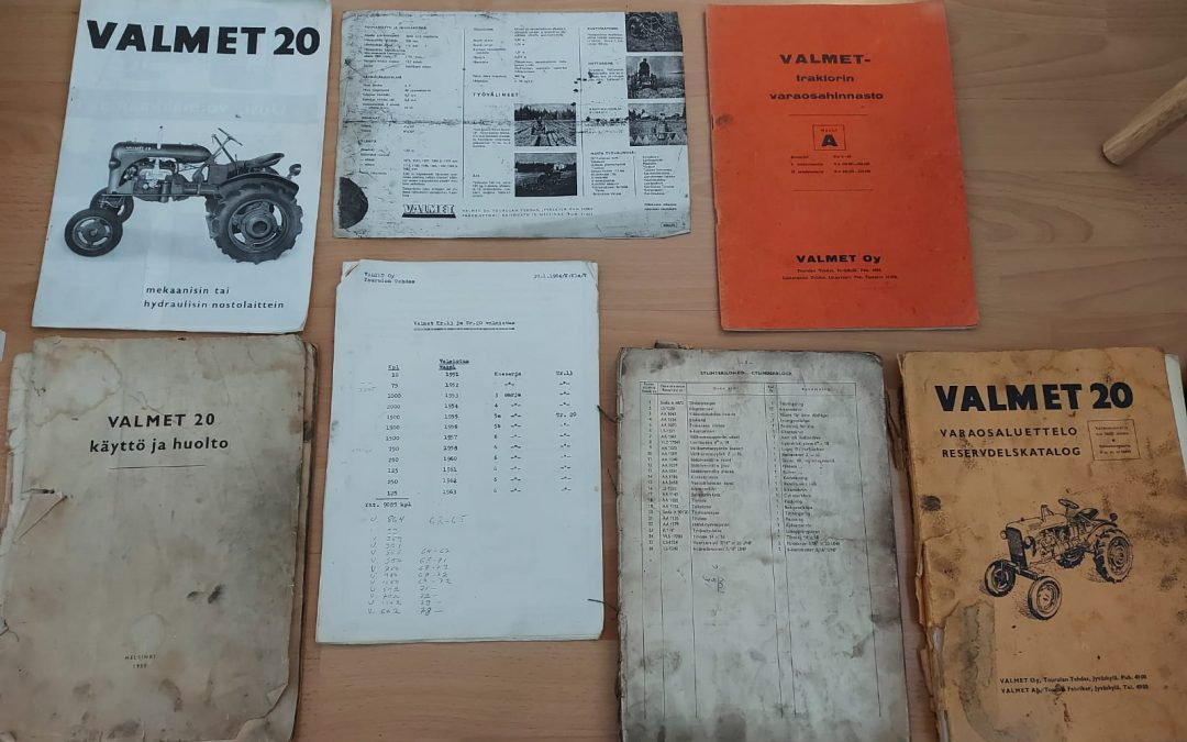 Valmet 15 ja 20 traktoreiden kirjallisuutta