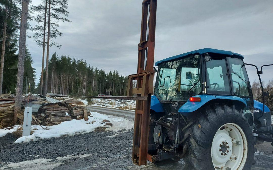 Trukkinostin – hydraulinen – traktoriin – VIDEO