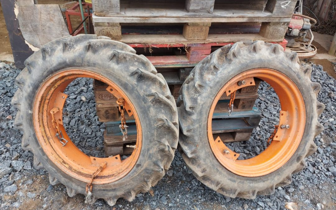 Renkaat 8×24 traktoriin – VANNEKEHILLÄ